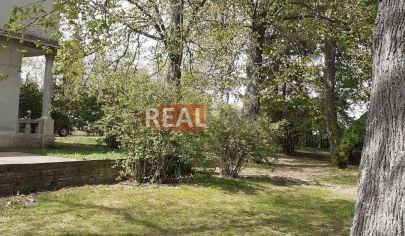 REZERVOVANÉ  REALFINN - PODHÁJSKA / 9 km / -  Rodinný dom na predaj s pozemkom 6200 m2