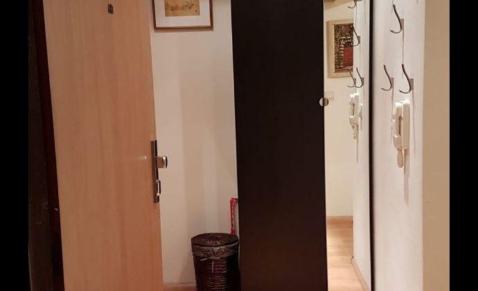 3- izbový zariadený byt s loggiou a prakovacím miestom v Ružinove