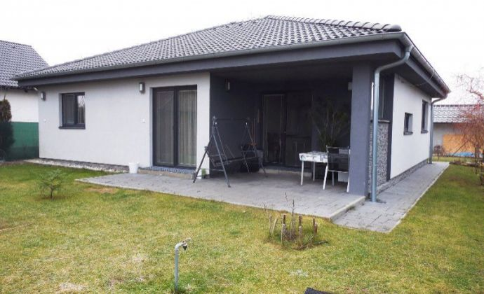 Novostavba pekného 4izb. bungalovu na pozemku 493 m2 v obci Králová pri Senci časť Bodov