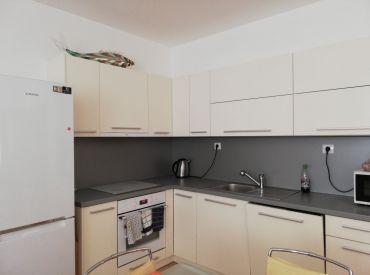 EXKLUZÍVNE na predaj 3 iz.byt s balkónom,1x vonkajšie státie, 72 m2, Žilina Hliny
