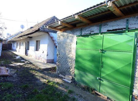 APEX reality 3i. rodinný dom v pôvodnom stave v spoločnom dvore na Šulekovej ul., 165 m2