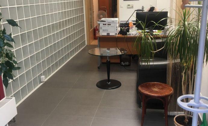 Menší kancelársko-obchodný priestor v BA I.