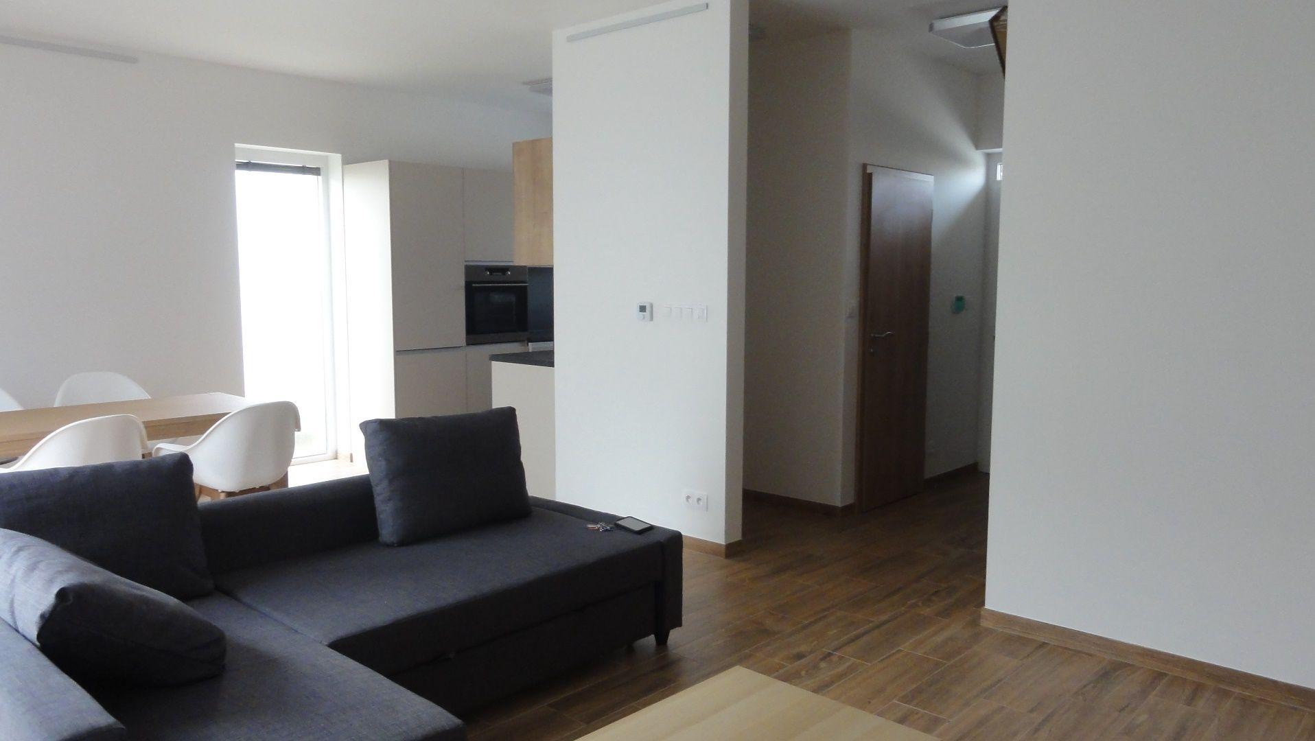 Rodinný dom-Prenájom-Stupava-890.00 €
