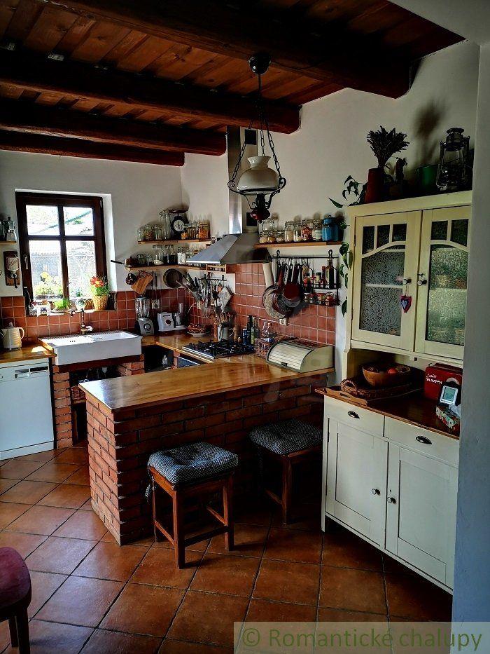 Čarovný rodinný dom na úpätí Malých Karpát pod hradom Červený Kameň – Častá