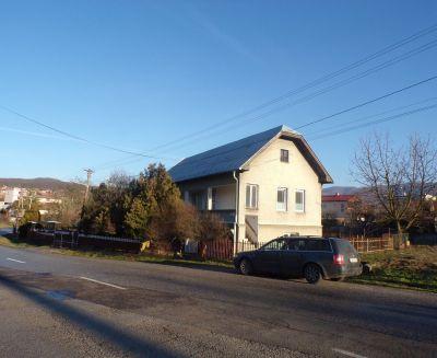 Na predaj rodinný dom 2128 m2 Kamenec pod Vtáčnikom okres Prievidza 70006