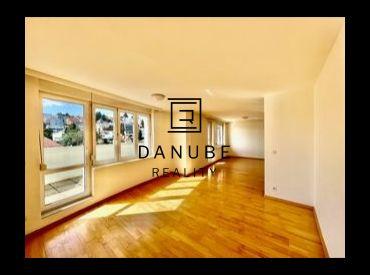Prenájom 3-izbový byt na Šulekovej ulici v Bratislave-Staré Mesto.