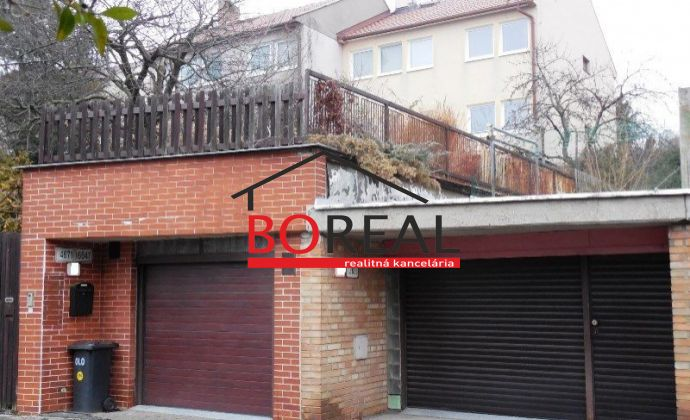 Veľký trojpodlažný RD (ÚP 202 m2) s garážou na 474 m2 pozemku, Buková ul., Bratislava Staré mesto – pod Bôrikom.