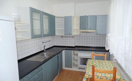 Zariadený 2 izbový byt v Senici na predaj