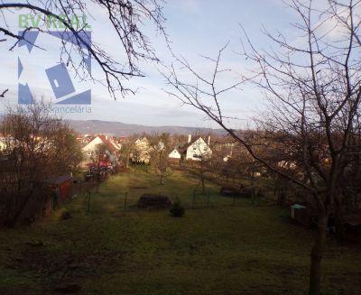Na predaj pozemok 2510 m2 v Prievidzi časť Hradec 70007