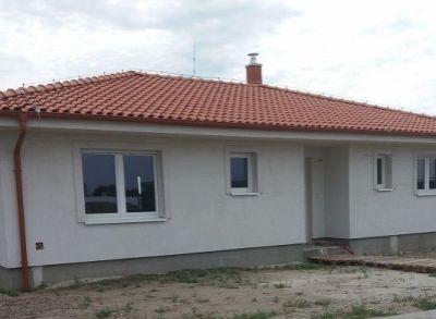 4-izbový rodinný dom na pozemku 650m2 v tichej ulici s prístupovou cestou