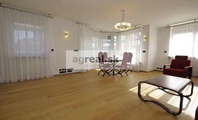 Nadštandardný byt Jozefa Kronera, aktuálne 3-izb. - možnosť prestavby na 4-izb., terasa, klimatizácia, možnosť parkingu v suteréne