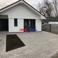 4 izbový rodinný dom - holodom, Hamuliakovo, 454 m2,2 parkovacie státia, pivnica, krytá terasa