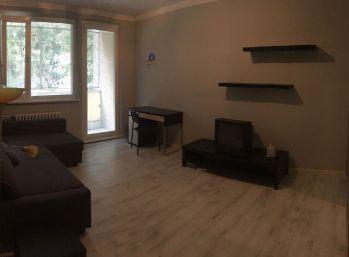 1i byt v Dúbravke s balkónom