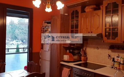 Ponúkame Vám na predaj kompletne prerobený 3 izbový byt v meste  Štúrovo.