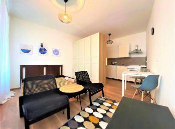 **NA PREDAJ: Nový kompletne zariadený 1 izb. byt priamo CENTRE Malaciek!!!