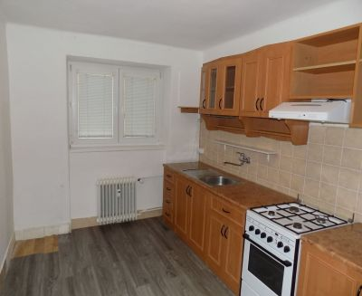 prenájom 2 izbový byt 56 m2 Prievidza Staré sídlisko 10004