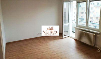 Na predaj 1,5 izbový byt s balkónom pri Štrkovci v Ružinove