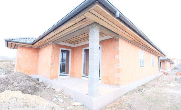 Bývajte už na jar v novom krásnom dome za UVÁDZACIE CENY - blízko DS a R7