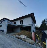 Exkluzívne iba u nás. Ponúkame na predaj krásny rozostavaný rodinný dom v mestskej časti Horný Moštenec.