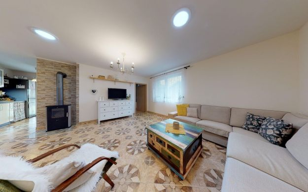 Pekný 4 izbový bungalov /pozemok 711 m2/ Moravany nad Váhom