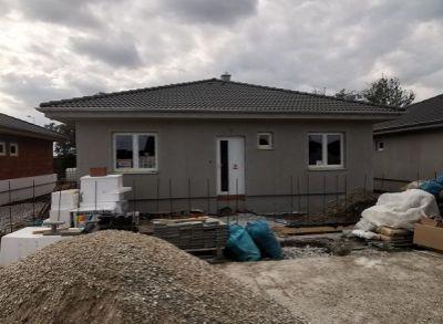 4-izbové rodinné domy v novovybudovanej časti Lehnice-Sása