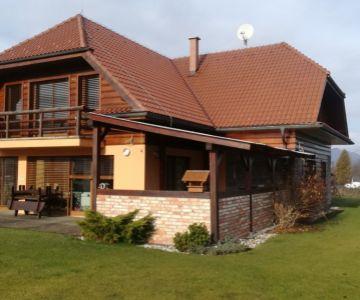 Luxusný rodinný dom, Liptovské Sliače, na predaj.