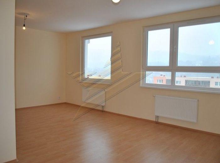 PREDANÉ - BAKOŠOVA, 2-i byt, 55 m2 – loggia, samostatné kúrenie, V NOVOSTAVBE s pekným výhľadom a GARÁŽOVÝM STÁTÍM