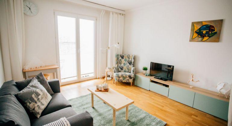 Slnečný a tichý 1-izbový byt v Ružinove na prenájom