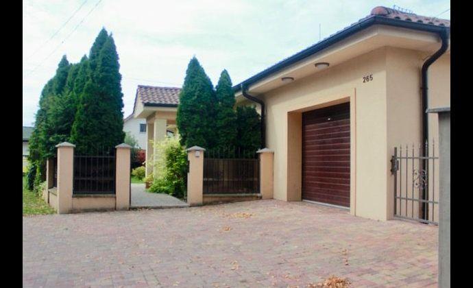 Veľmi príjemný 4 izbový rodinný dom s garážou, obec Čenkovce