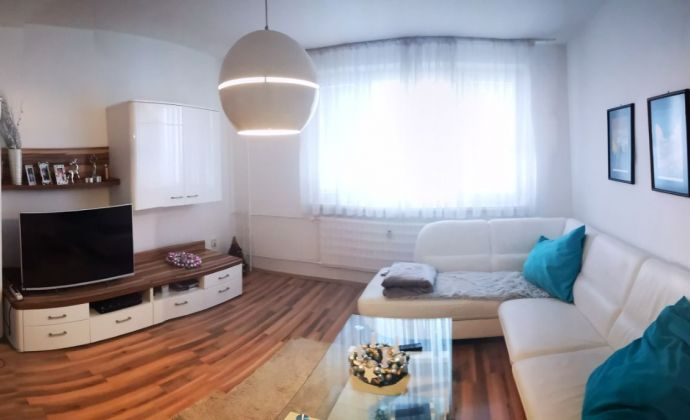 Vyšší KOMFORT  4 izbový - DVOJGENERAČNÝ byt v Nitre na Klokočine-čermánska časť s výhľadom na PANORAMU Nitry - KVALITNÉ BÝVANIE!