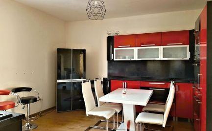 5 izbový byt - 136 m2 s garážou a záhradou  v centre Brezna