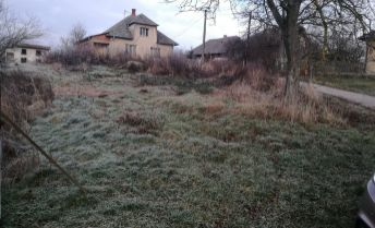 Pozemok na stavbu domu 514 m2  v Čuklasovciach - len 11 km od Bánoviec nad Bebravou.