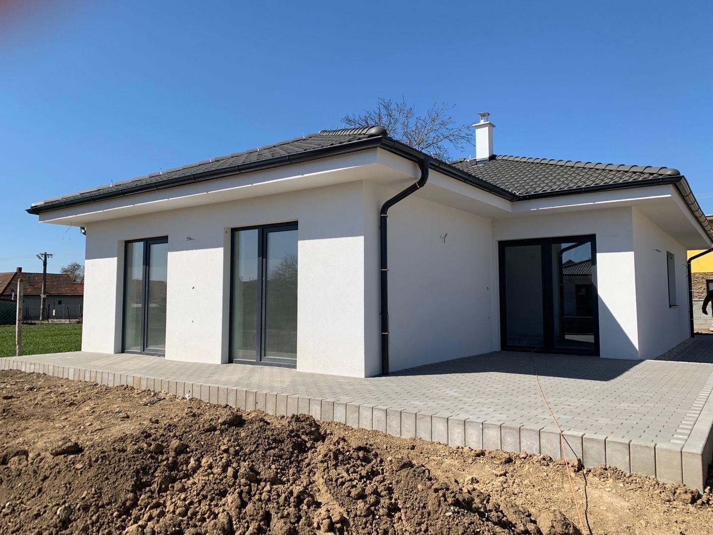 Rodinný dom-Predaj-Kamanová-169 000 €