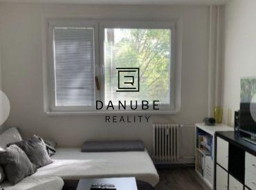 Predaj zrekonštruovaný 2-izbový byt v Bratislave-Podunajských Biskupisiach na Estónskej ulici.