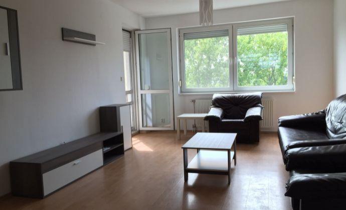 Prenájom: 2-izbový byt s loggiou, parkovacie miesto