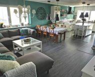 Veľký (viacgeneračný), novo-zrekonštruovaný rodinný dom