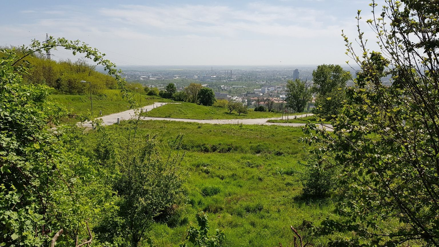 Pozemok pre RD-Predaj-Bratislava - mestská časť Nové Mesto-315560.00 €