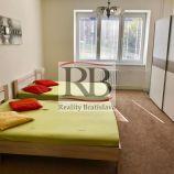 Veľký 2,5 izbový slnečný byt v Starom meste na Belopotockého ulici