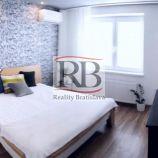 Na prenájom 2 izbový byt na Karadžičovej ulici v Starom Meste