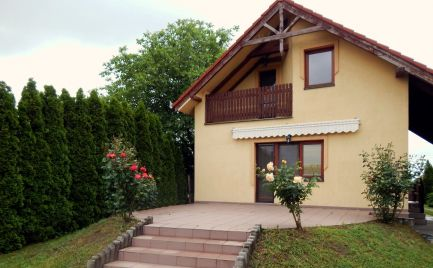 Pribeta, útulný 3 izbový rodinný dom so záhradou