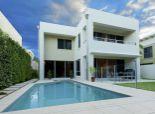 Hľadám pre konkrétneho klienta rodinný dom v Petržalke a blízkom okolí