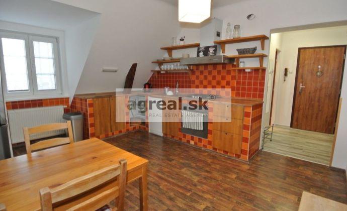 REZERVOVANÉ!!! Predaj- útulný a komplet. zariadený a vybavený  2-izb. byt (59 m2- tehla) v TOP Lokalite, ul. Miletičova, BA II- Nivy