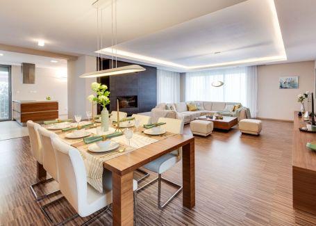 7i elegantný rodinný dom s bazénom, saunou a vírivkou, Malinovo