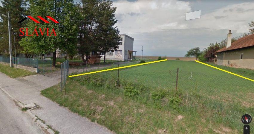 Rovinatý 1812 m2 pozemok Veľké Hoste na predaj