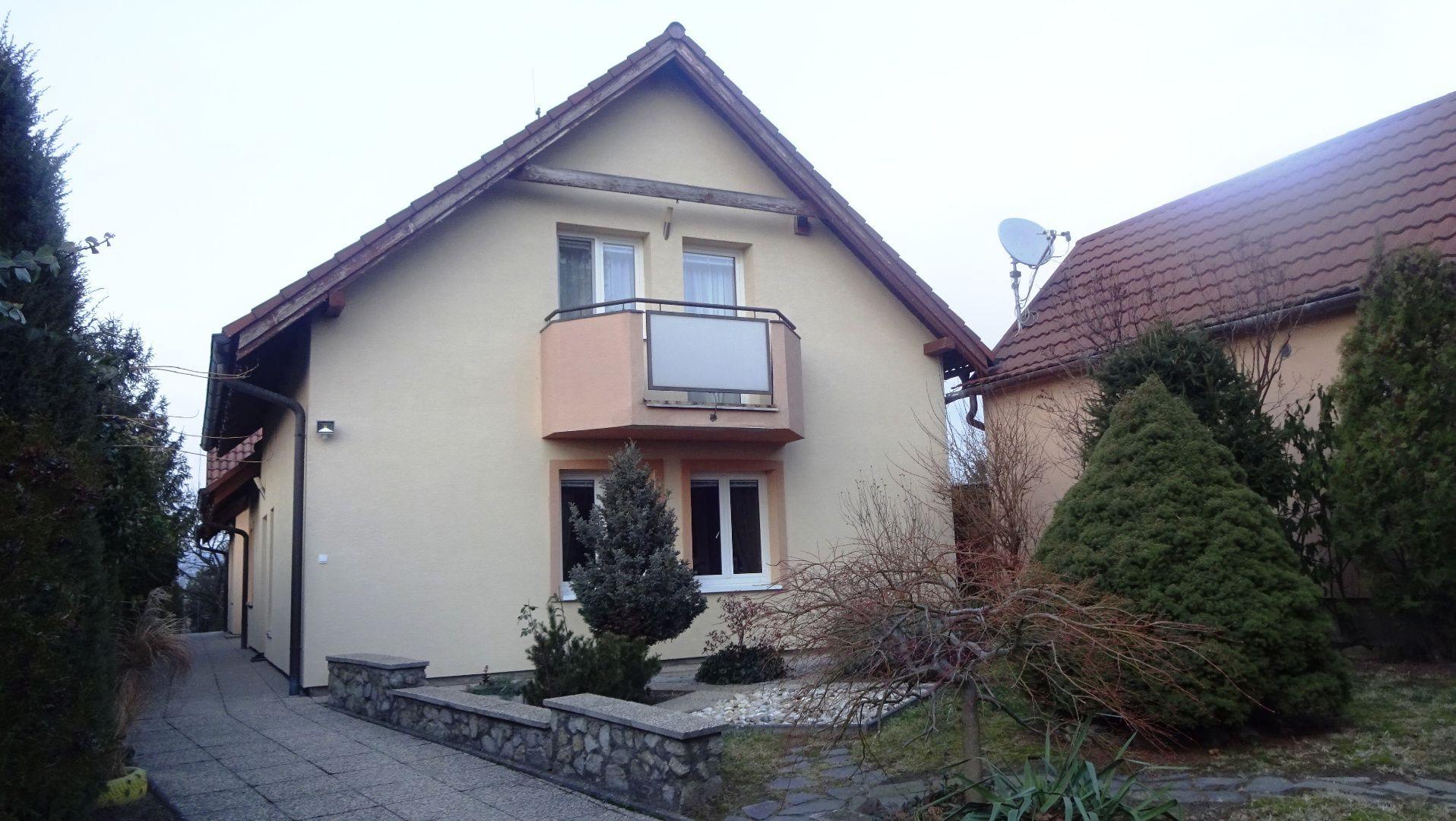 Rodinný dom-Predaj-Bratislava - m. č. Záhorská Bystrica-509990.00 €