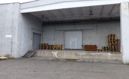 Na prenájom skladový priestor 922 m2 na Bojnickej ul.