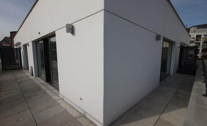 Ul. 29. augusta - 2-izbový byt s garážovým státím v novostavbe s kuchyňou a šatníkmi od 1.1.2021