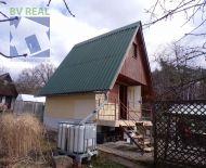 Na predaj murovaná záhradná chatka so záhradou 301 m2 Prievidza 70010