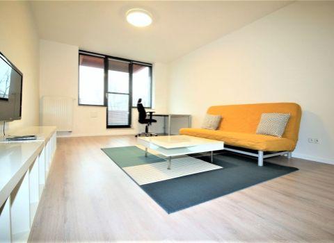 Na prenájom slnečný 2 izbový byt v projekte Manhattan s parkingom
