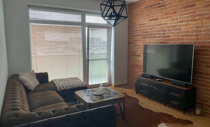 PREDAJ - 2 izbový klimatizovaný byt v novostavbe s parkovacím státím v Senci